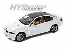 MOTORMAX 1:24 BMW M3 COUPE DIE-CAST WHITE 73200