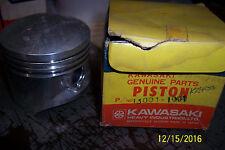 New OEM Kawasaki Piston 78-79 KZ400 B1/ C1/B2/H1   NOS 13001-1001