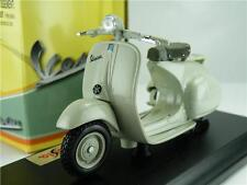 VESPA 125 U 1953 MODEL SCOOTER 1:18 SCALE GREY MOPED MAISTO 05083GY K8Q