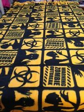 FLEECE KNOTTED BLANKET- ZOMBIES - Gold & Black