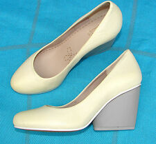 """""""Demerara Spice""""Clark's Women's/Ladies Pale Yellow Leather Shoes size UK 6.5."""