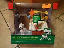 2011 PEANUTS--SNOOPY'S DOGHOUSE DELUXE DISPLAY PLAYSET (NEW)