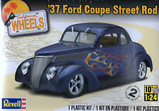 Revell,Monogram 1/24 '37 Ford Coupe Street Rod New American Hot Rod