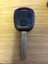 TOYOTA YARIS HIACE COROLLA AVENSIS CAMRY 2 BUTTON REMOTE KEY FOB can cut & code