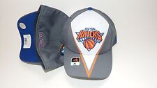 (HB5) NEW HAT CAP ADIDAS NEW YORK KNICKS SIZE S/M STRETCH UP TO 7 1/4 WHITE GREY