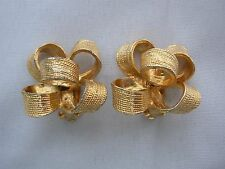 PRETTY GOLD TONE CHRISTMAS RIBBON BOW CLIP ON EARRINGS 1 1/4""