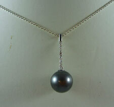 WONDERFUL 18CT K WHITE GOLD TAHITIAN BLACK PEARL AND DIAMOND PENDANT