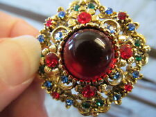 VINTAGE THICK DOMED RHINESTONE BROOCH COLORFUL RED GREEN BLUE GOLD TONE, MINT