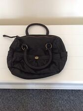 LADIES 'PRIMARK' BROWN BAG. MEDIUM. TWO HANDLES. ZIP FASTENING. GOOD CONDITION.