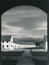 PAYS DE GALLES c. 1950 - Maisons Beaumaris Anglesey  Monmouthshire - Div 7649