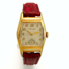 Vintage Gruen Wristwatch With Horizontal Ribbed Accents On Case CA1930s