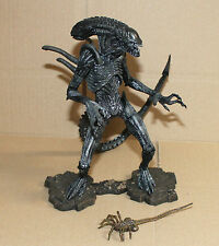 AVPR Aliens vs Predator Requiem Alien Warrior Action Figure Neca