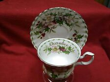 """Royal Albert England Flower of the Month cup/sacer """"December-Christmas Rose"""""""