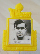 1958  WORLD CUP Player badge of NIGEL SIMS WOLVERHAMPTON WANDERERS ASTON VILLA