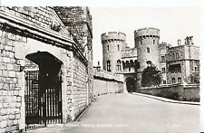 Berkshire Postcard - Old Gateway & The Norman Tower - Windsor Castle - RP SL302