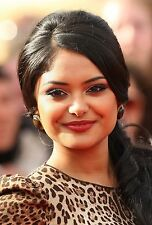 Afshan Azad UNSIGNED photo - B1764 - Harry Potter actress