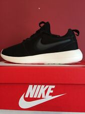 NIKE ROSHE RUN TWO Trainers Shoes BLACK 100% Genuine size Uk 9.5 BRAND NEW BOXED