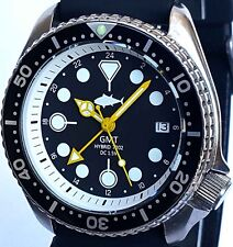 Vintage SEIKO mens diver 7002 GMT mod SWISS dual-time movement w/Black TUNA dial