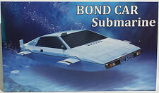JAMES BOND : 1/24 SCALE LOTUS ESPRIT SUB MODEL KIT MADE BY FUJIMI IN 2015