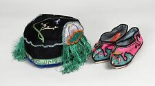 BEAUTIFUL ANTIQUE CHINESE SILK EMBROIDERY CHILDS CAP & TINY FOOT BINDING SHOES