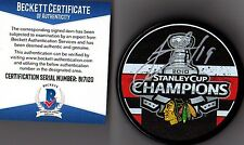 BECKETT-BAS JONATHAN TOEWS AUTOGRAPHED-SIGNED 2010 STANLEY CUP CHAMPS PUCK 17120