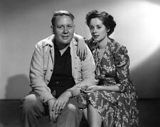 Charles Laughton and Elsa Lanchester UNSIGNED photo - H4446