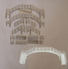 P&D Marsh N Gauge N Scale B24 NE Cast Iron footbridge kit requires painting