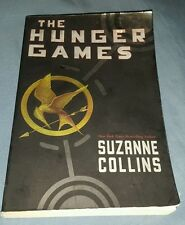 The Hunger Games by Suzanne Collins (Paperback)