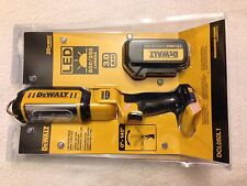 New Dewalt DCL050L1 20V Max LED Hand Held Area Light W/ DCB200 20V 3.0Ah Battery
