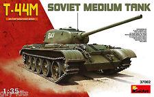 CHAR MOYEN SOVIETIQUE T-44M,  1943/1944 - KIT MINIART 1/35 n° 37002