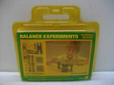 1984 DISCOVERY WORLD SMALL WORLD TOYS 7719 BALANCE EXPERIMENTS SCIENCE KIT