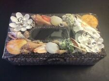 Sea shell decorated tissue case holder