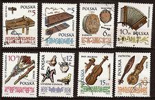 POLOGNE   Instrument de musique 8 timbres n°A821 et A846  oblitérés 52m25a