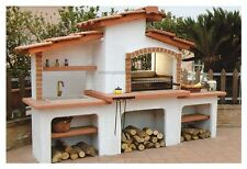barbecue in muratura a legna con acquaio esterno