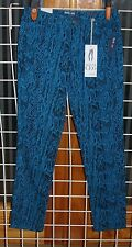 SIZE 10 STYLE & C0 TURQUOISE SNAKE PRINT SKINNY JEANS