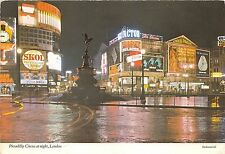 B84288 piccadily circus at noght london    uk