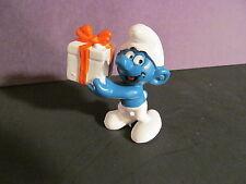 Vintage PVC Schleich Peyo Present Smurf Figurine