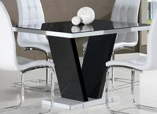 CONTEMPORARY BLACK AND WHITE HIGH GLOSS DINING TABLE WITH GLASS