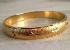 OUTSTANDING VINTAGE MONET DIAMOND ETCHED GOLD PLATED BANGLE BRACELET