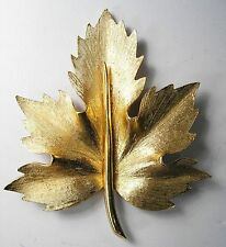 BOUCHER Signed Goldtone Textured Maple Leaf Brooch Pin 2080