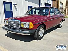 Mercedes-Benz: 300-Series 300D Sedan
