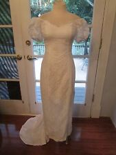 WHITE LACE HAWAIIAN MUUMUU HULA WEDDING FISHTAIL TRAIN HOLOKU DRESS SIZE 4