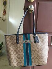 coach signature top zipper handbag/tote khaki/ midnight and cosmetic bag