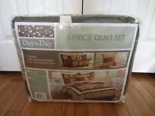 Day by Day 5 Piece Quilt Set Queen Size Dark Olive/White w/Floral Patterns NIP