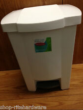 WHITE PLASTIC KITCHEN STEP ON GARBAGE TRASH CAN WITH REMOVEABLE LINER 8 GALLON