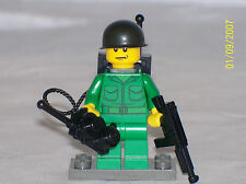 Lego Minifig WW2 Army Soldier Radio Man with Weapon