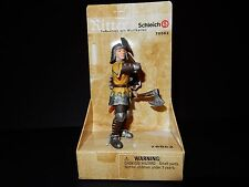 SCHLEICH - FOOT SOLDIER / KNIGHT WITH THROWING AXES - 70062