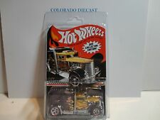 Hot Wheels 2011 Collectors Edition Convoy Custom Semi w/Real Riders