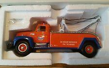 FIRST GEAR 1/34 1957 International R-200 Gulf Tow Truck