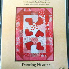 """This & That Dancing Hearts Mini Quilt PATTERN 19"""" x 27"""" mat"""